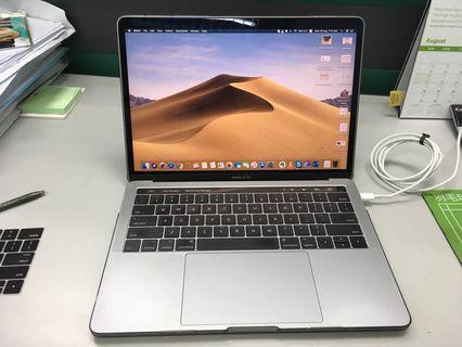 WTS Macbook Pro13 2017 4xTB3 Ports