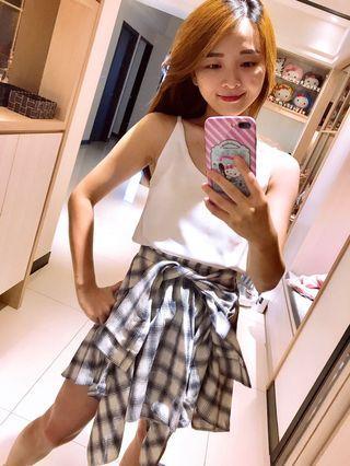 綁帶造型特色短裙