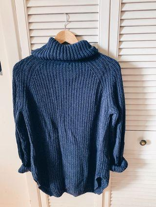 S Urban Outfitters Turtleneck