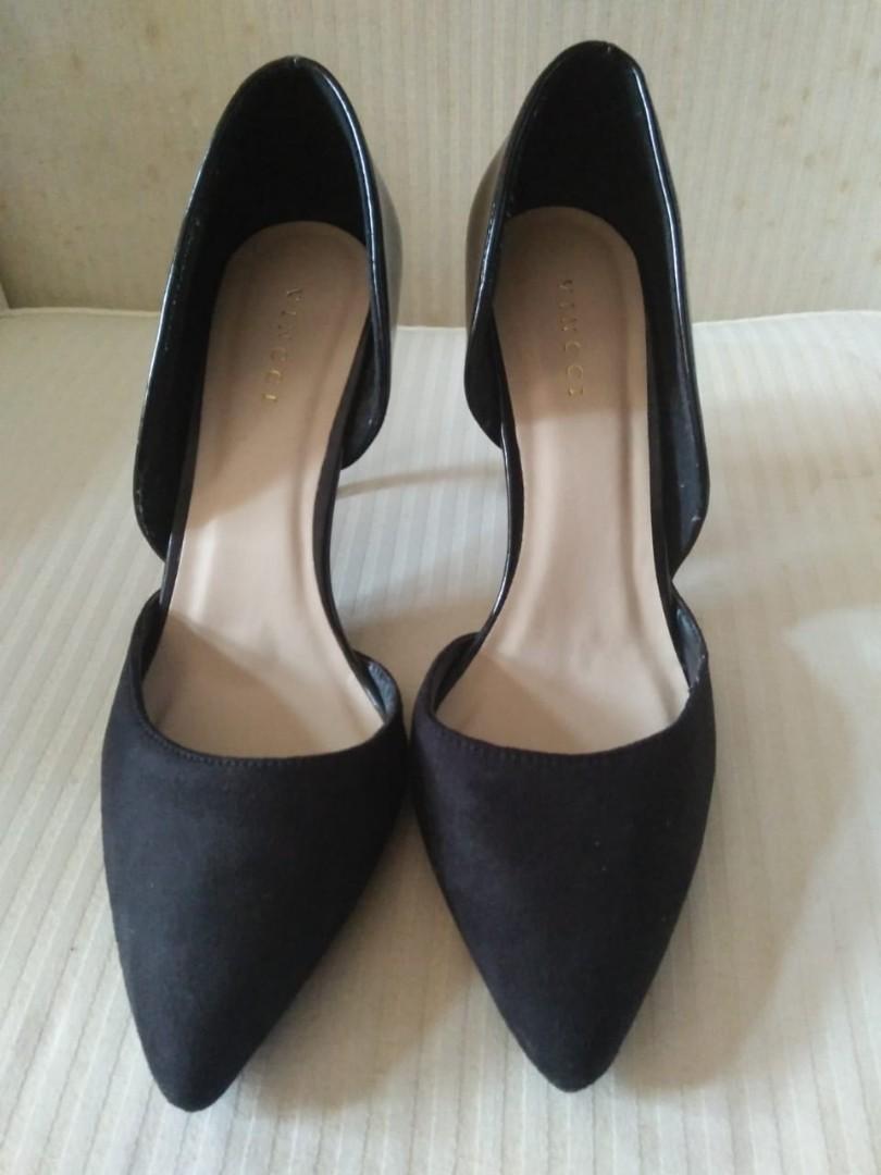 Black Heels Vincci