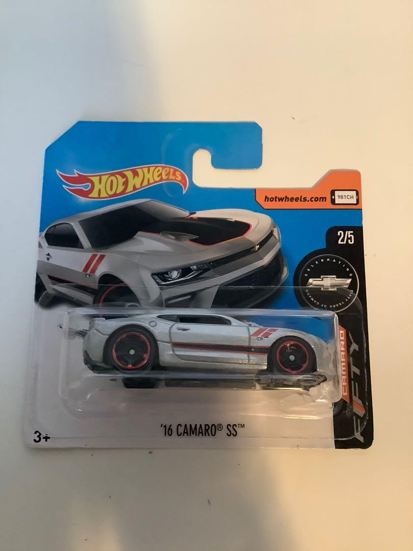 Hot wheels 50 anniversary exclusive 2016 Chevrolet Chevy camaro SS short card collectible diecast car