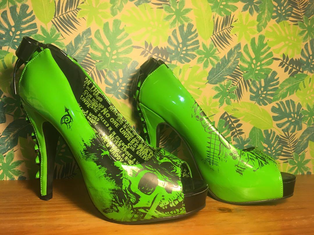 Green and black skull and lace Iron fist never worn