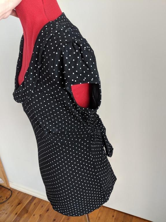 OTTO MODE - Polka Dot peter pan tie waist top with peep hole -