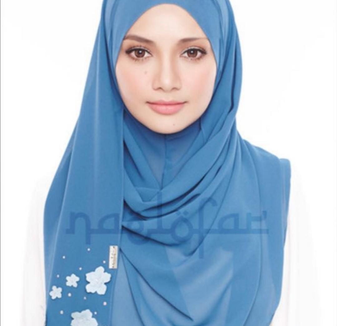 Preloved Authentic Naelofar Hijab