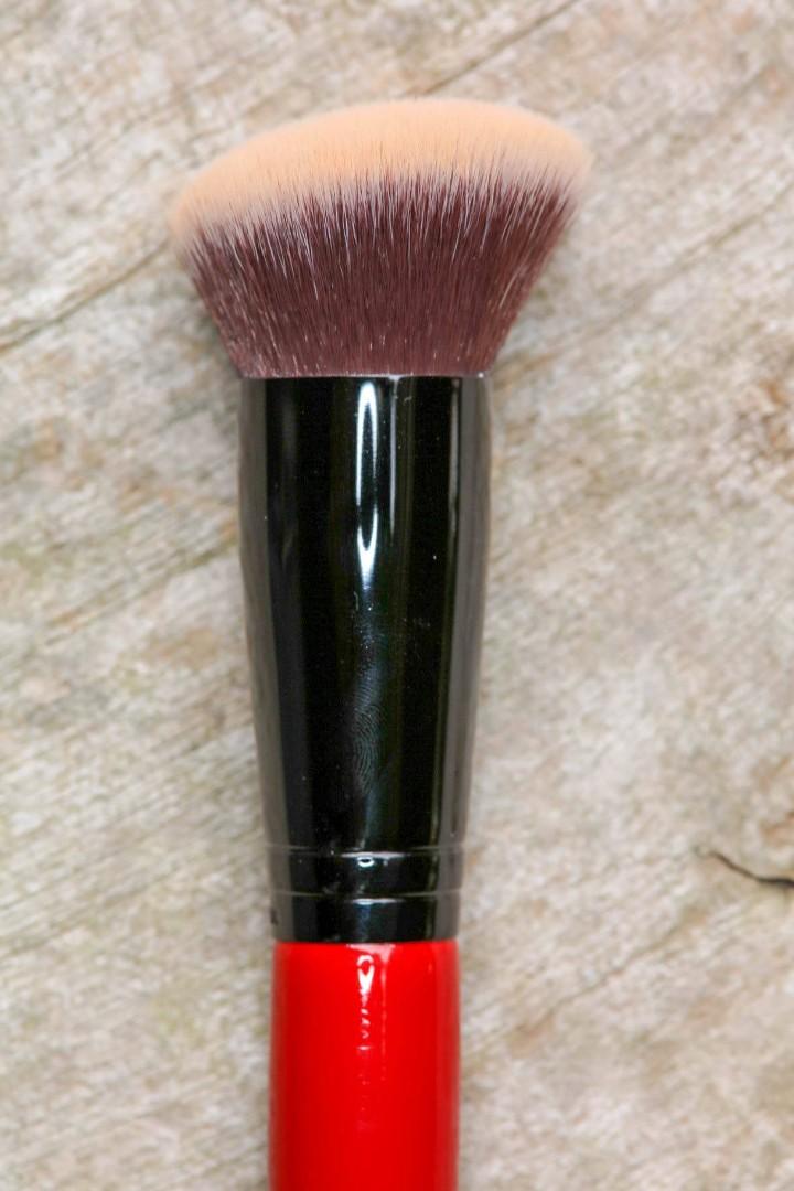 Smashbox Full Coverage Foundation Brush Health Beauty Makeup On Carousell