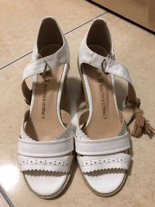 正韓白色典雅涼鞋