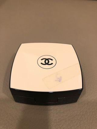 Chanel Les Beiges Glow Gel Touch Foundation no 20
