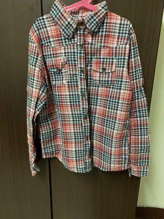 紅黑格紋襯衫