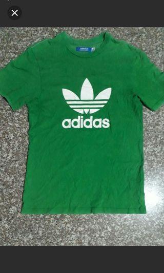 愛迪達綠色短T