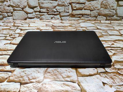 Buy New or Used Laptops & Desktop Computers Online