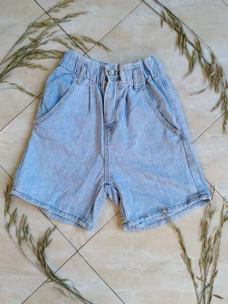 Mom's short jeans