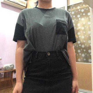 Grey t-shirt with breast pocket
