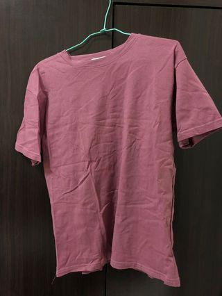 紫紅色短t