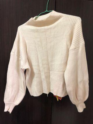 米白色毛衣