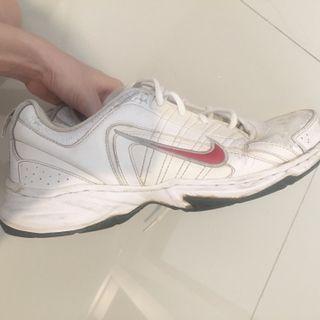 #LalamoveCarousell #HBDCarousell nike shoes ORI