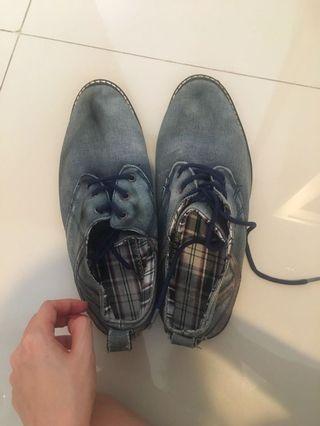 #LalamoveCarousell #HBDCarousell sepatu pria