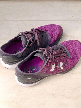 Under Armour 紫色運動鞋