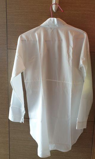 大件白襯衫