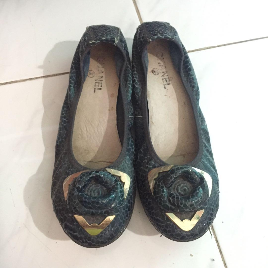 Chanel snake skin flatshoes navy
