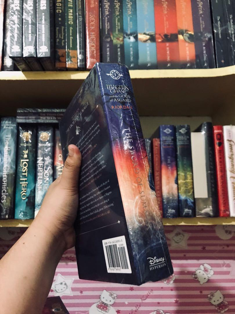 HB - Magnus Chase and the Gods of Asgard (The Sword of Summer) — Book 1 by Rick Riordan
