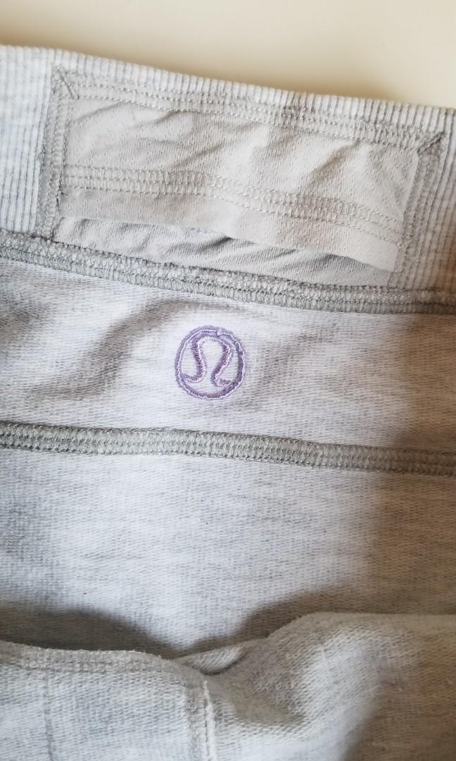 Lululemon skirt size 4 with pockets cotton, hidden inside pocket at waist.  Super flattering. Pickup at Gerrard and main or 20 bay or Yorkville. If you see this ad it is available.