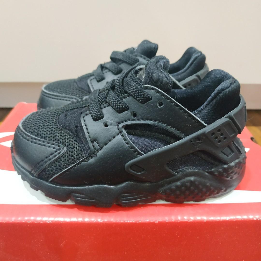 Nike Huarache Black Infant (Size 22 Eur)