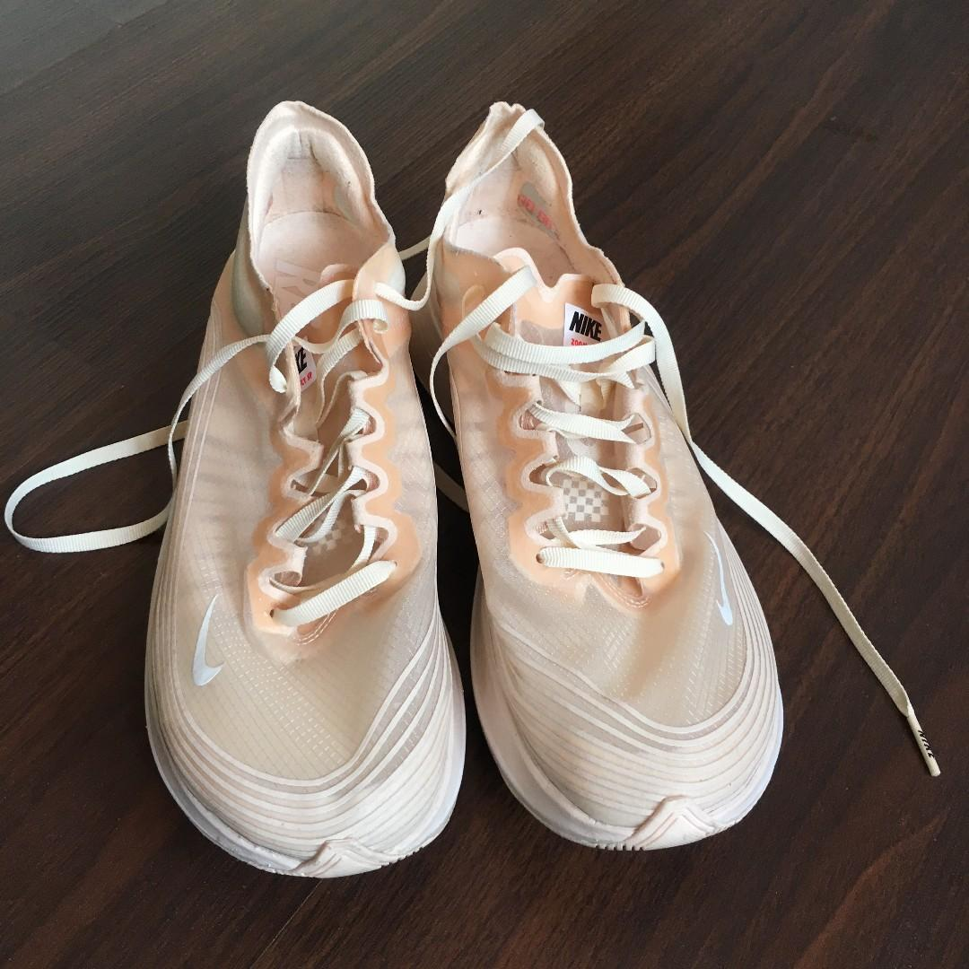alondra Médula ósea Vaca  Nike Zoom Fly SP Women's (Peach), Women's Fashion, Shoes, Sneakers on  Carousell