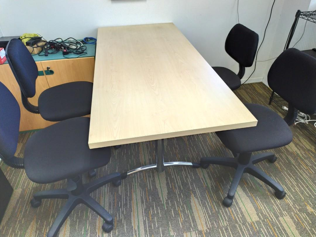 Small Meeting Table With 4 Chairs