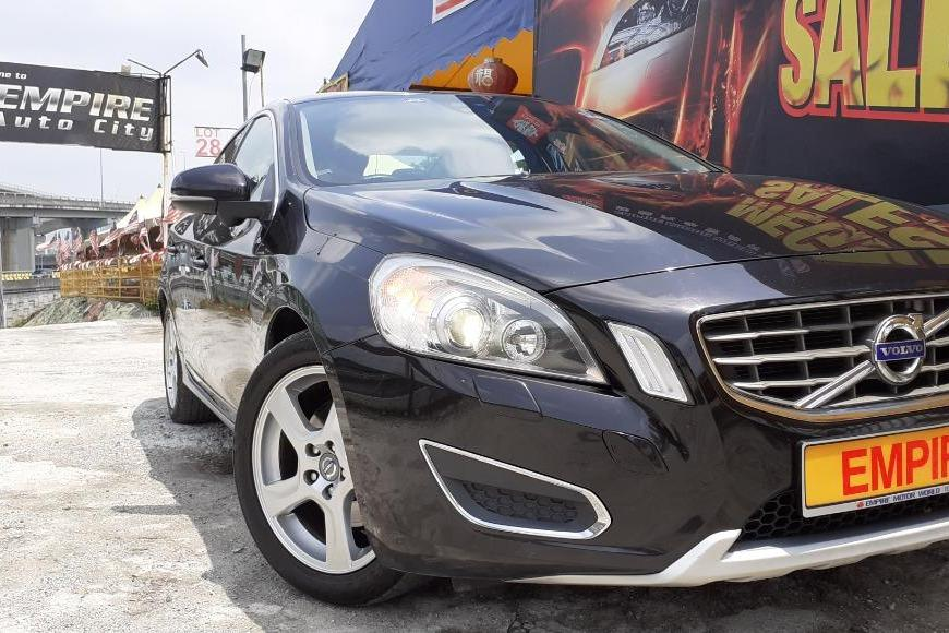 VOLVO S60 1.6 (A) T4 SEDAN !! TURBOCHARGED AWD 6 SPEED AUTOMATIC TRANSMISSION !! NEW FACELIFT !! CKD !!