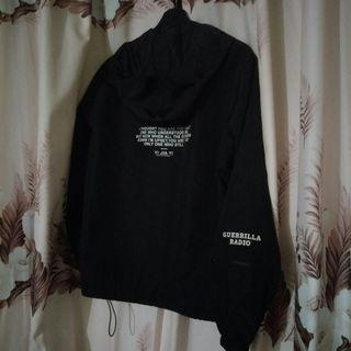 黑色 風衣外套