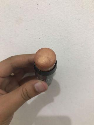 Illuminating stick sun kissed crush