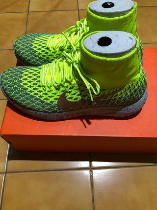 NIKE LUNAREPIC FLYKNIT SHIELd 3