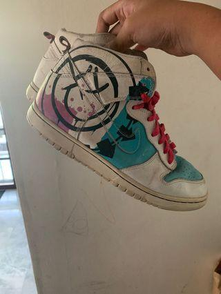 Nike SB Dunk Blink 182 Customs