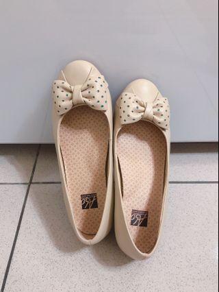 阿瘦 平底娃娃鞋 6.5(真皮)