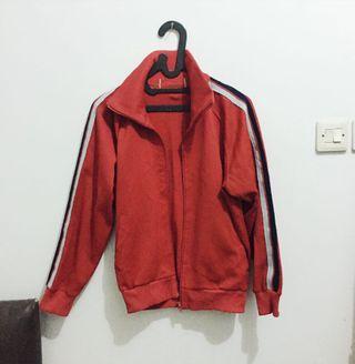 Preloved Jaket Merah Vintage ala H&M