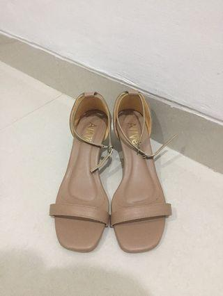 NUDE ANKLE STRAP