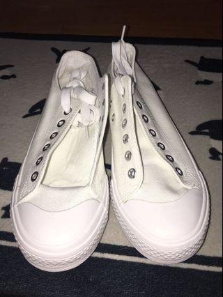 小白鞋 百搭帆布休閒鞋