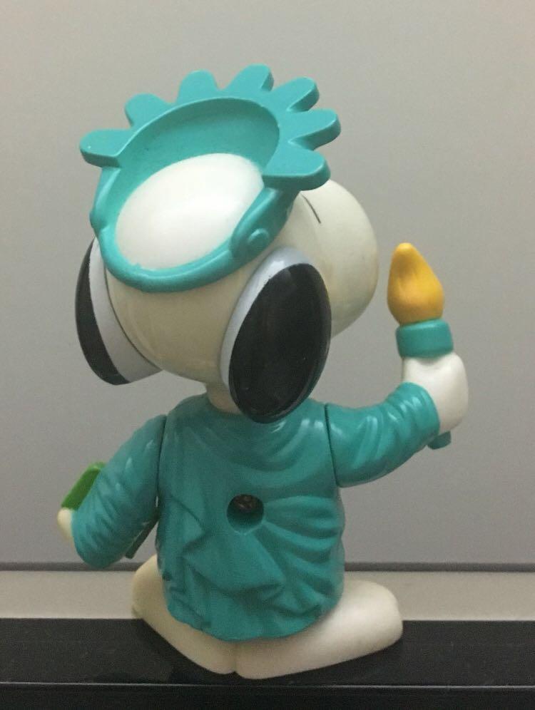 麥當勞自由神像史奴比 McDonald's Snoopy as Statute of Liberty