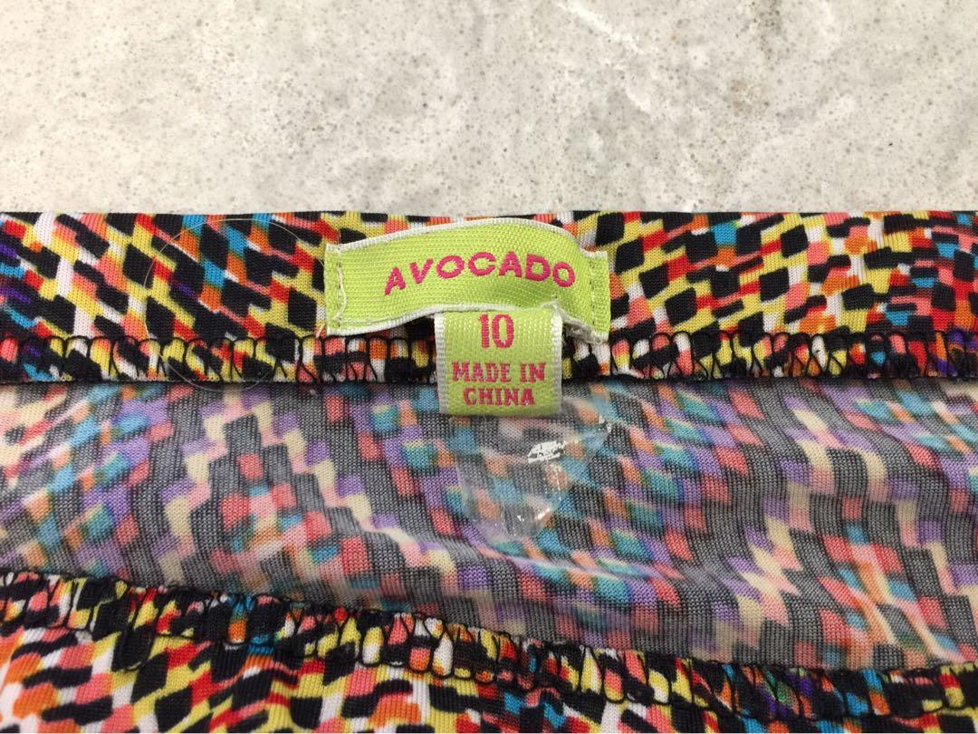 Avocado size 10 short skirt black red yello