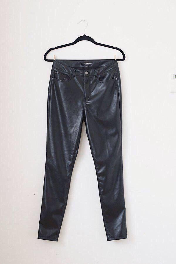 """Guess Leather Pants - Size 6/ 28"""""""