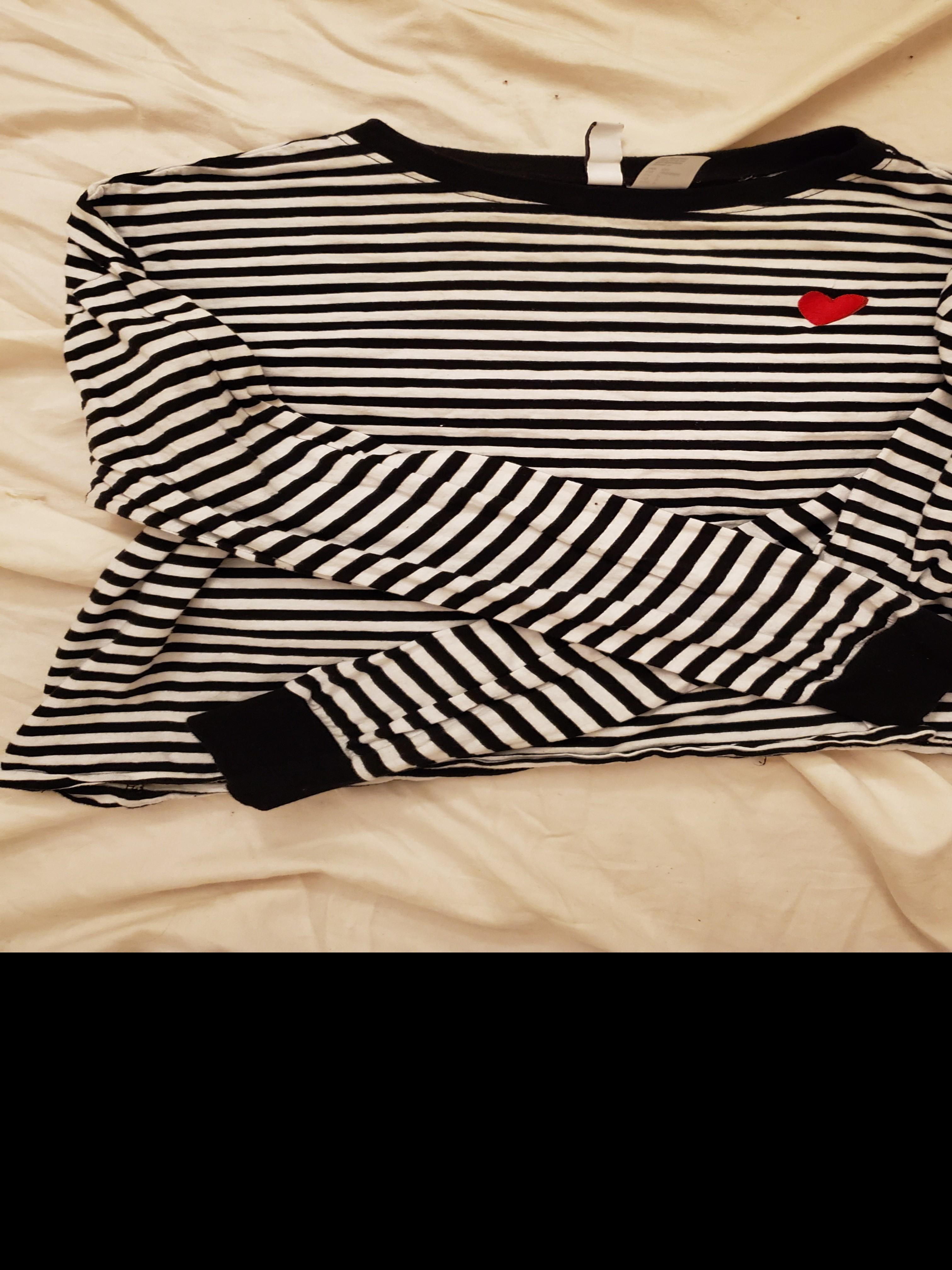 H&M striped long sleeve crop top black and white with red heart size small