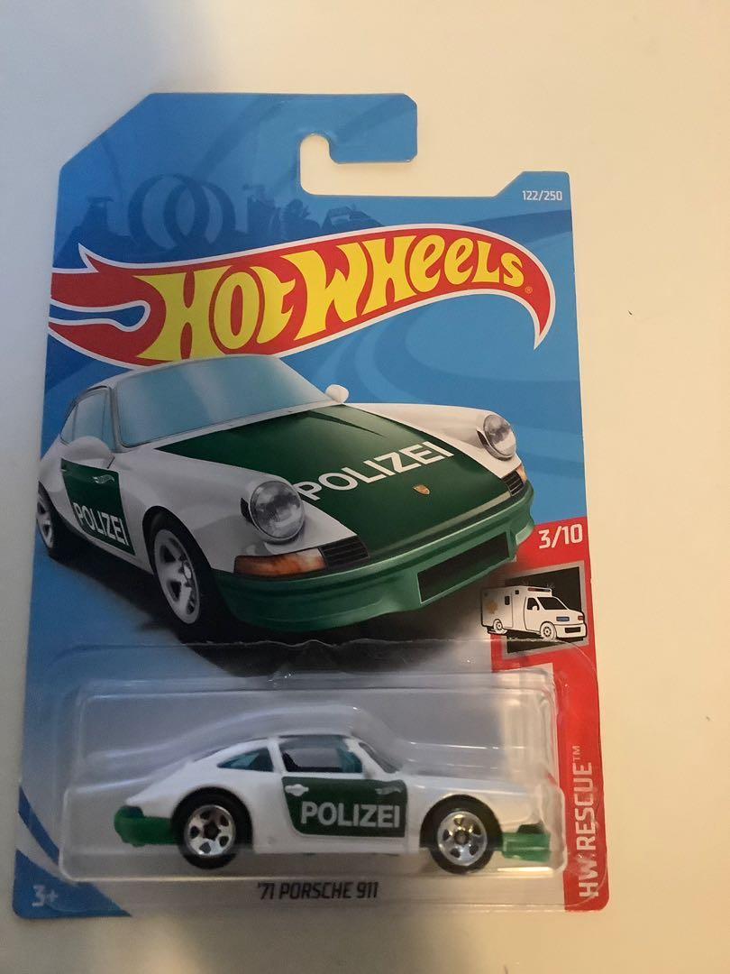 Hot wheels 1971 Porsche 911 collectible diecast police car