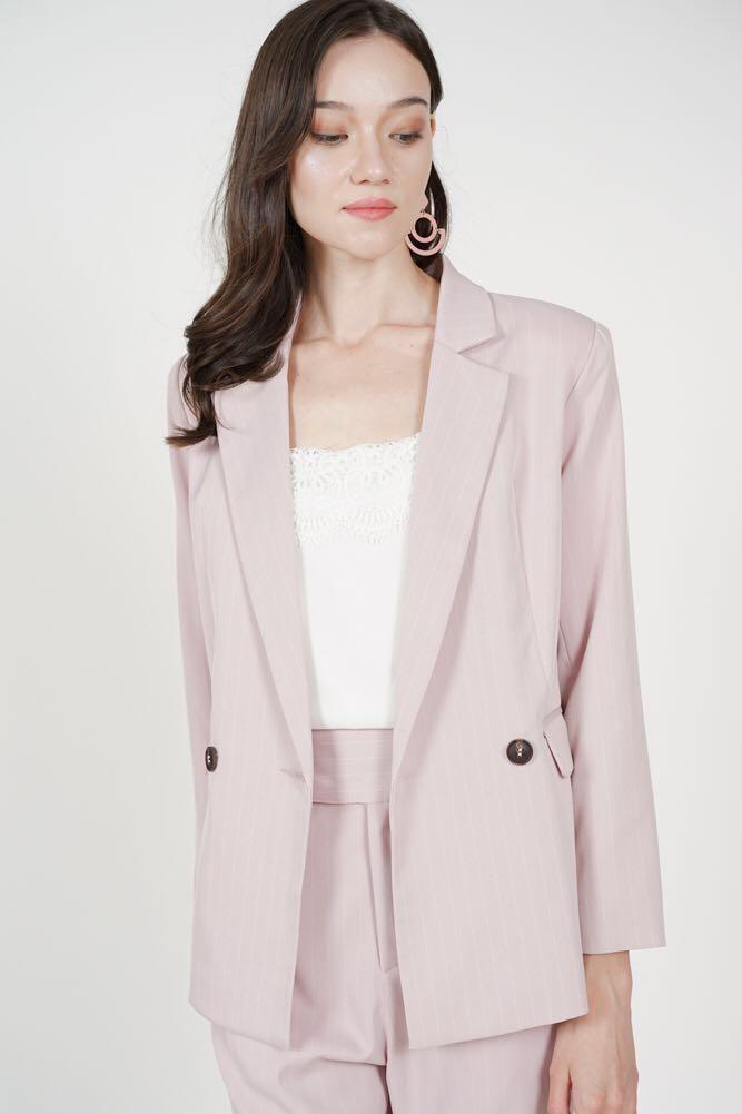 MDS Contemporary Buttoned Blazer in Pink