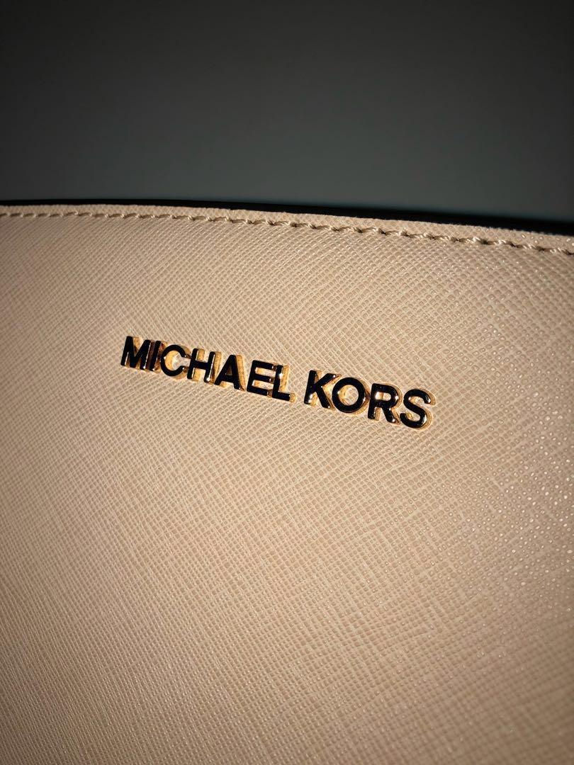 MICHAEL KORS Selma Medium Color-Block Saffiano Leather Messenger