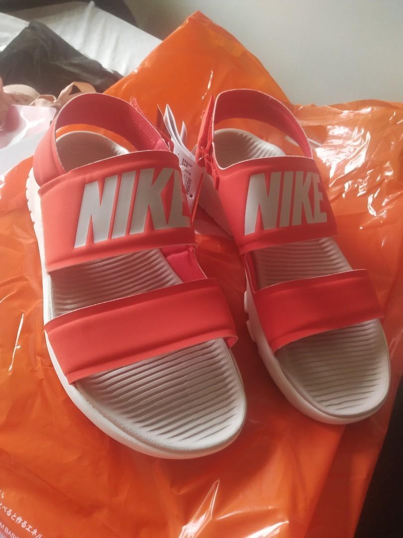 red nike tanjun sandals