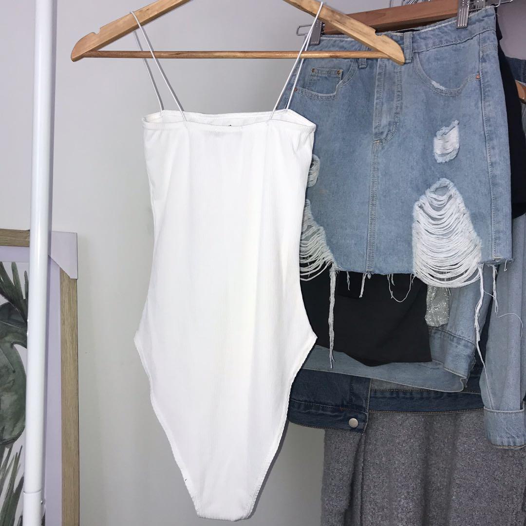 Seamless Square Neck White Bodysuit with Elastic Spaghetti Straps