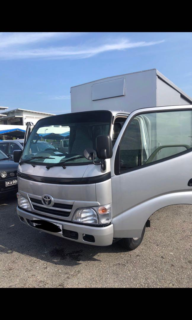 CHEAPEST Toyota Dyna 10FT BOX lorry for rental!