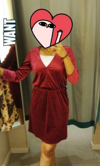 H&M Velvet Maroon Midi Dress