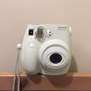 Fujifilm Instax mini 7s (with 7 films inside)