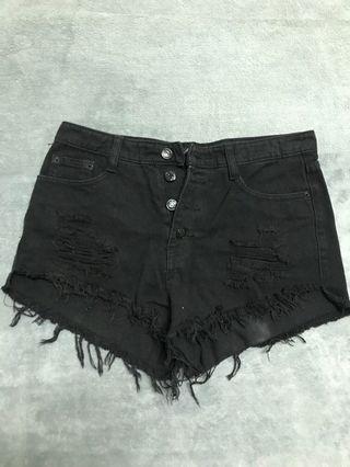 黑色牛仔短褲